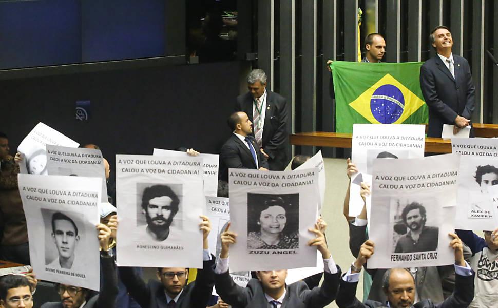 Solenidade relembra 50 anos do golpe militar