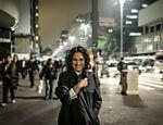 A atriz é a estrela de 'Gata Velha Ainda Mia', de Rafael Primot