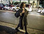 Regina Duarte passeia por São Paulo em sessão de fotos