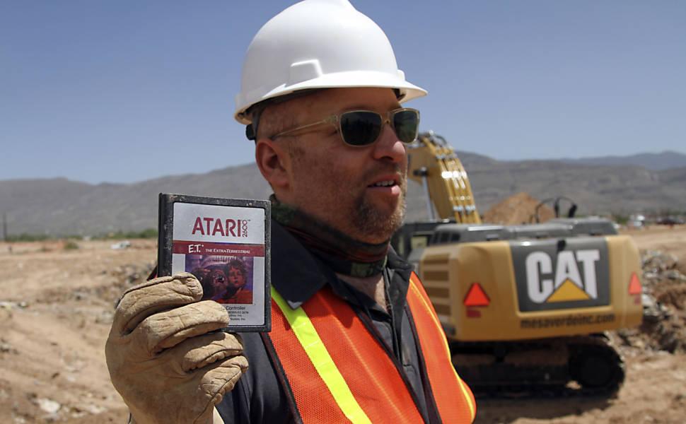 Escavação dos cartuchos do jogo E.T.