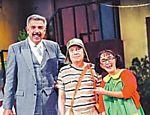 Rubén Aguirre (como Professor Girafales), Roberto Gómez Bolaños (Chaves) e Maria Antonieta de las Nieves (Chiquinha) em 'Chaves'