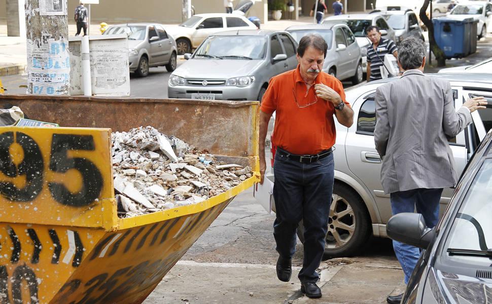 Delúbio Soares deixa presídio para trabalhar
