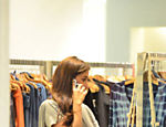 Giovanna Antonelli faz compras no Shopping da Barra da Tijuca.