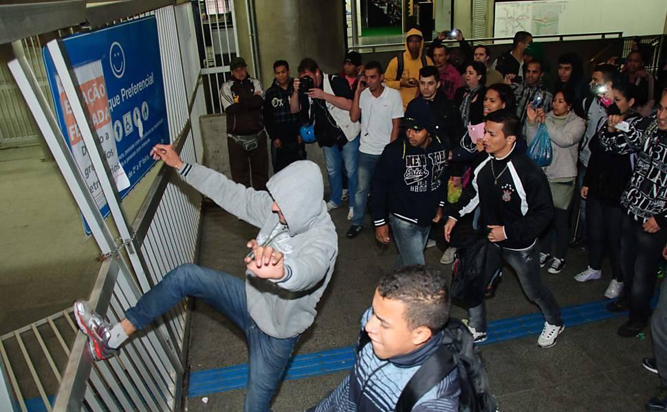 Protesto na estação Corinthians-Itaquera