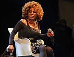 A cantora Elza Soares durante apresentação em 2013 (Foto: Mariana Martins/Folhapress)
