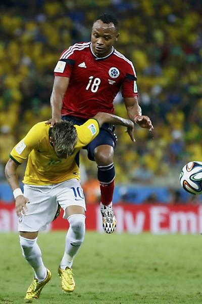 O lance da lesão de Neymar