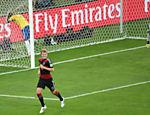 Aos 24 min do primeiro tempo, mais uma falha da defesa brasileira e Kroos faz o terceiro gol da Alemanha no Mineirão