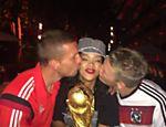 Rihanna com os jogadores da Alemanha