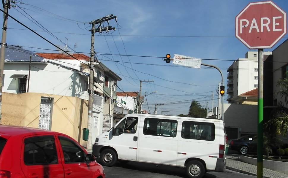 Acidentes em cruzamento na Vila Guilherme