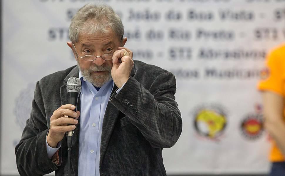 Lula participa de congresso na Praia Grande