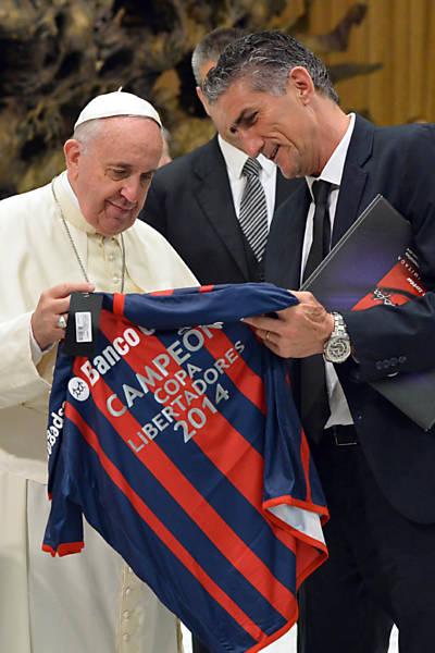 Papa recebe San Lorenzo no Vaticano