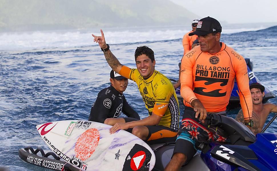 Brasileiro Gabriel Medina vence no surfe