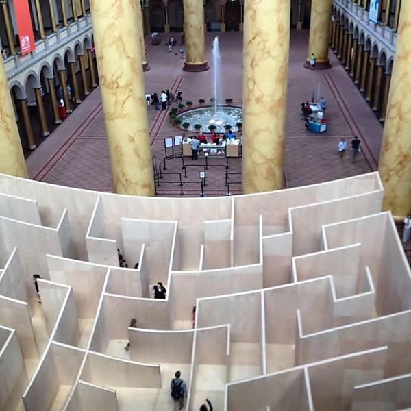 Labirinto de madeira do arquiteto Bjarke Ingels