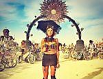 Thaila Ayala posta foto no festival
