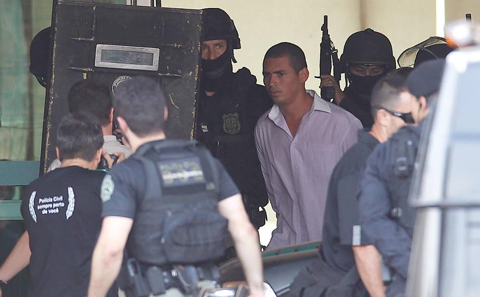 Homem armado faz refém em Brasília