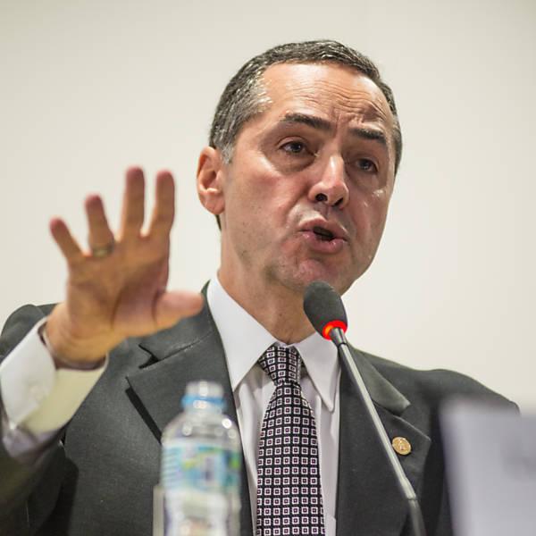 Debate sobre a lentidão da Justiça brasileira