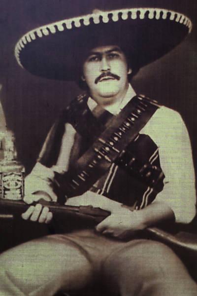 Pablo Escobar, o próprio, em foto exposta num museu em homenagem ao traficante na Colômbia