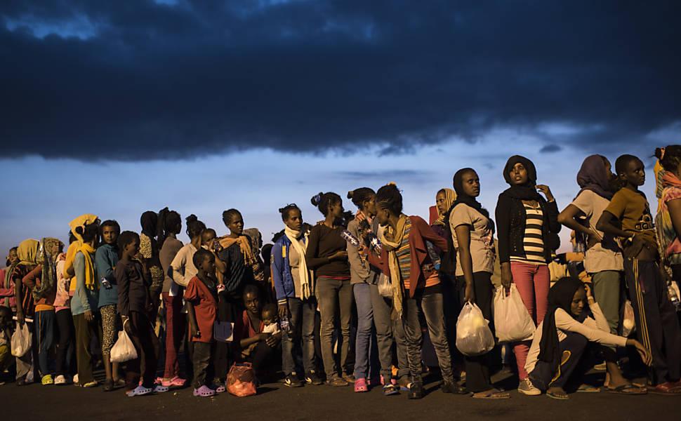 Imigrantes ilegais na Itália