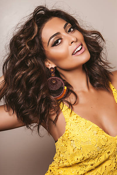 Juliana Paes - Oficial