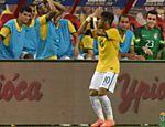 Neymar comemora o primeiro de seus quatro gols pela seleção em amistoso contra o Japão