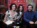 Clarice vai ao lançamento do livro do ex-marido, Gregorio Duvivier, e do livro de Fernanda Torres