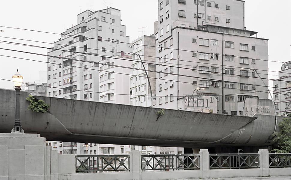 Cinzas da cidade cinza