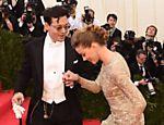 Johnny Depp e Amber Heard comparecem a evento beneficente no Metropolitan Museum, em Nova York
