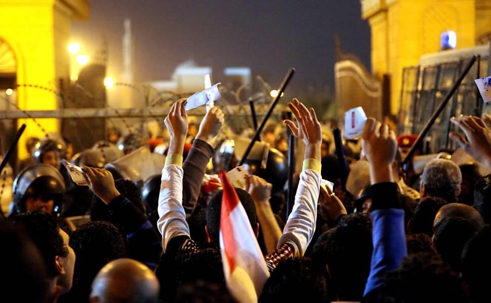 Confrontos matam torcedores no Egito