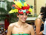 A joalheira Camila Sarpi no desfile do bloco Acadêmicos do Baixo Augusta