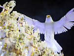 Desfile da Portela no segundo dia do Carnaval do Rio de Janeiro na Sapucaí <a href=