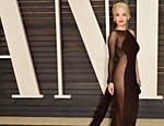 Rita Ora na festa do Oscar da revista