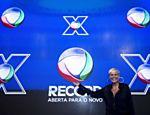 A apresentadora Xuxa Meneguel assina contrato com a rede Record <a href=