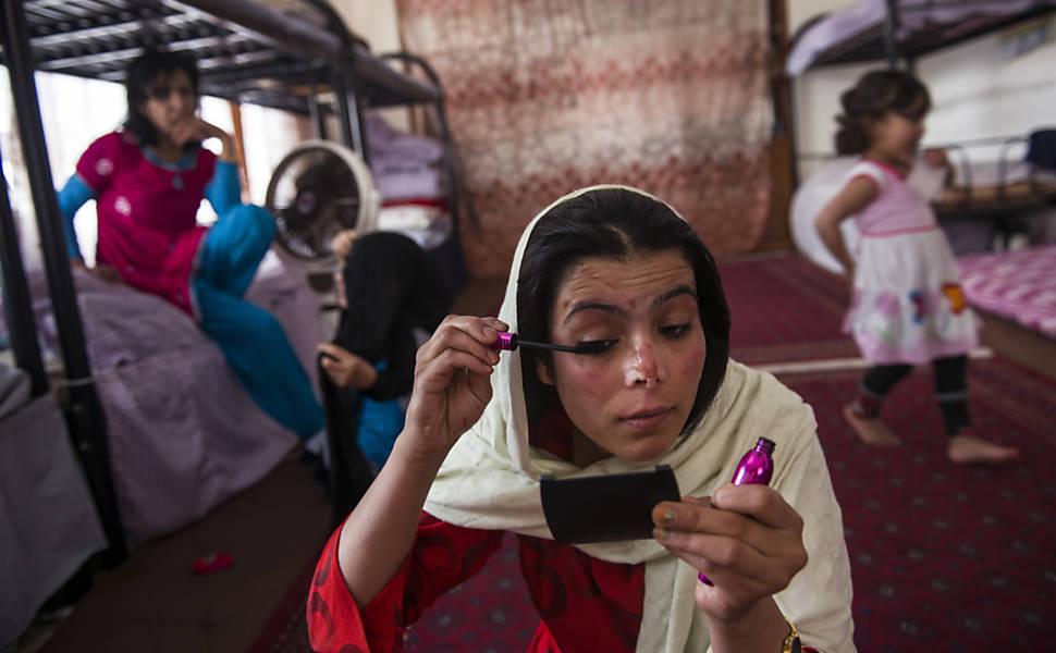 Abrigos salvam mulheres afegãs