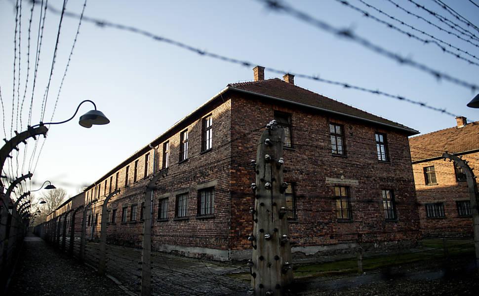 Prédios do campo de concentração nazista de Auschwitz abrigam agora algumas das alas do museu polonês