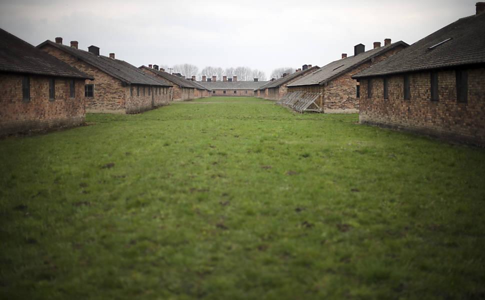 Pelo local, passaram 1,3 milhão de prisioneiros dos nazistas entre 1940 e 1945, dos quais 90% eram judeus