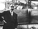 Pietro Maria Bardi acompanha desembarque de obras do acervo do Masp