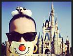 Katy Perry visita Disneylândia em Tóquio
