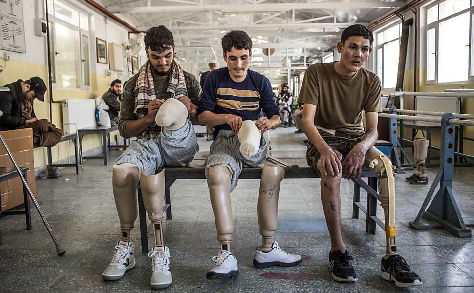 Soldados aposentados por invalidez no Afeganistão