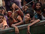 Garoto Rohingya espera por ajuda em navio abandonado em águas tailandesas  <a href=