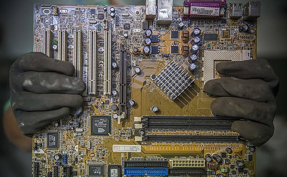 Garimpo no lixo eletrônico