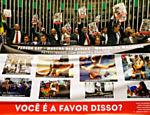 Deputados da bancada evangélica fizeram protesto no plenário da Câmara contra atos realizados em paradas gays e marchas das vadias e da maconha que afrontam religiões