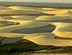 Praia de Canoa Quebrada, perto de Fortaleza (CE), que tem o 2º menor índice de precipitações