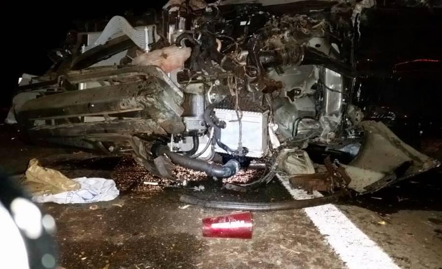 Cantor Cristiano Araújo e namorada morrem em acidente