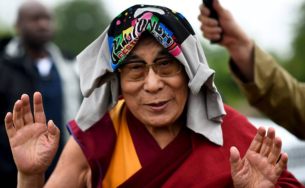 Dalai Lama no festival Glastonbury
