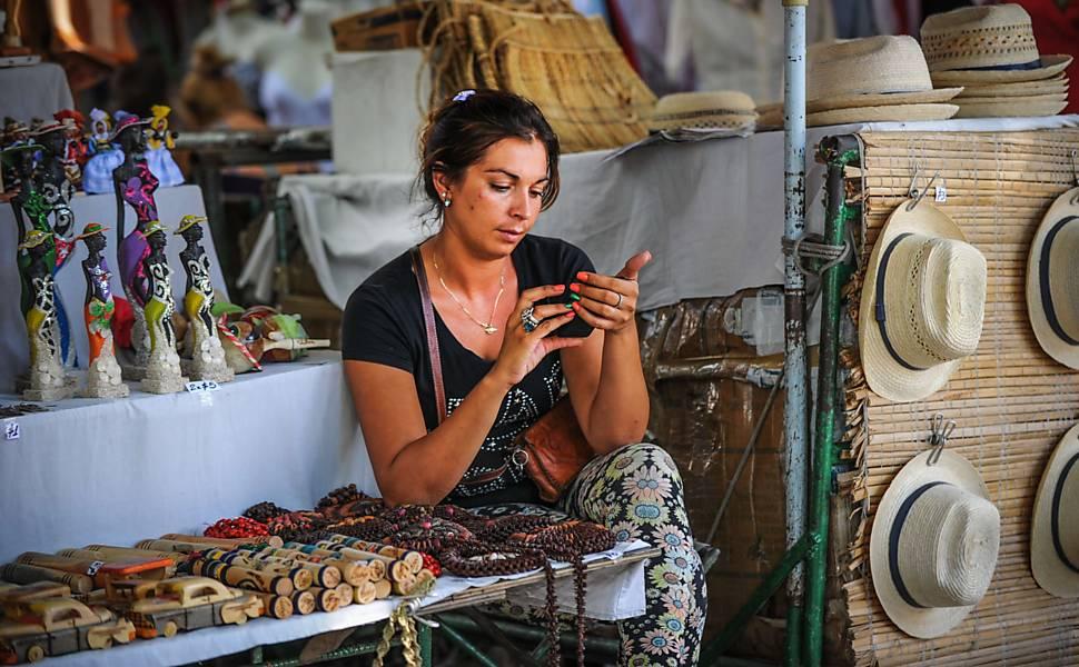 Cuba inaugura 35 pontos de internet wi-fi