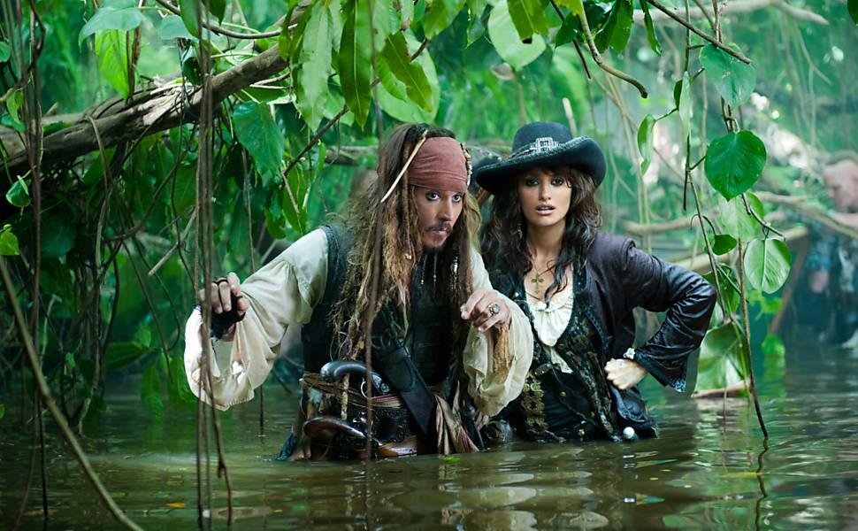 Veja imagens da série de filmes 'Piratas do Caribe'