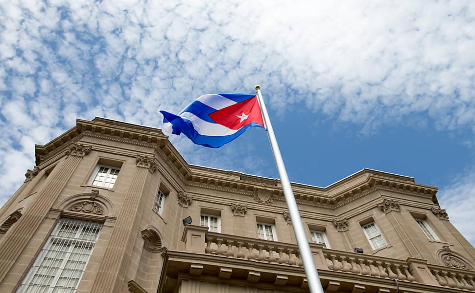 EUA e Cuba retomam relações diplomáticas