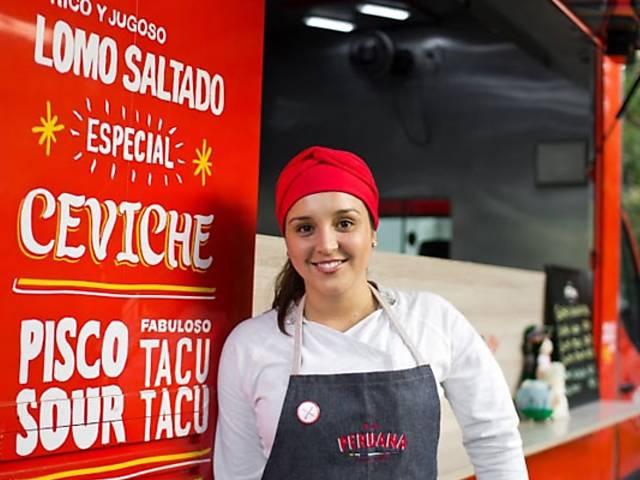 Antes de ganhar ponto fixo, La Peruana era food truck; veja fotos da época