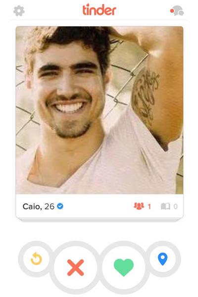 Imagens do ator Caio Castro