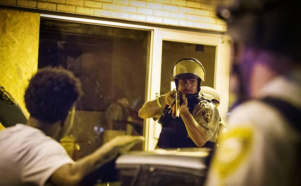 Protestos contra violência policial em Ferguson, em 2015